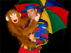 clown marseille ventriloquie singe parapluie -sos clown-